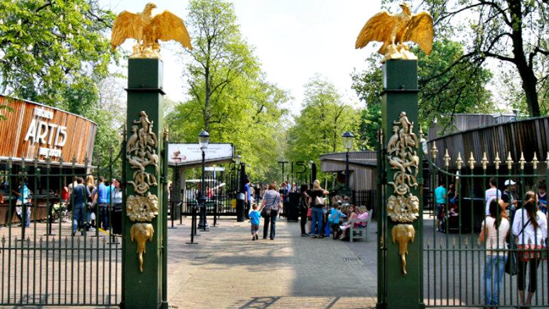 http://www.peterenemmy.nl/Foto%20Nederland/2020%20Artis/NL-Artis-ingang