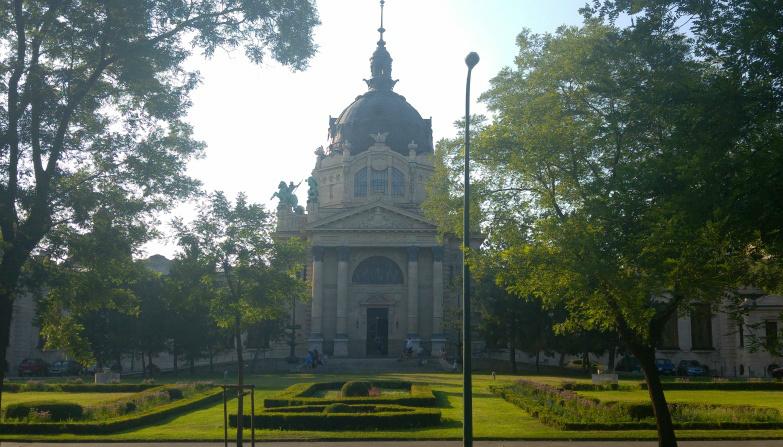 http://www.peterenemmy.nl/Hongarije/20170624_182755