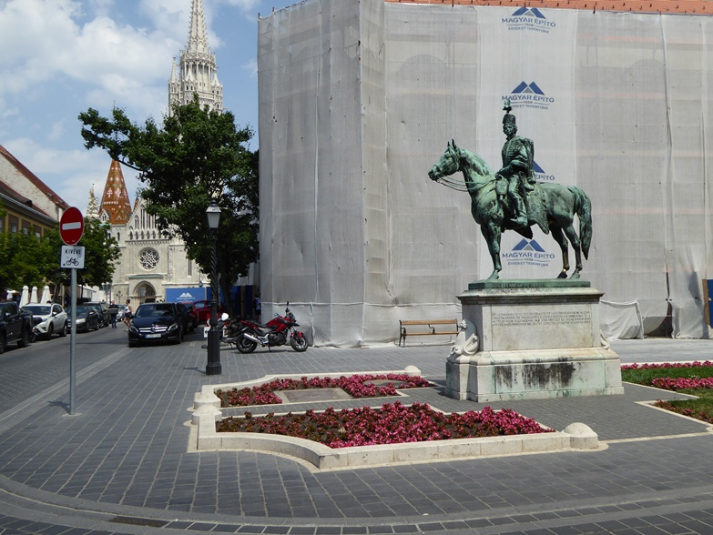 http://www.peterenemmy.nl/Hongarije/P1060542
