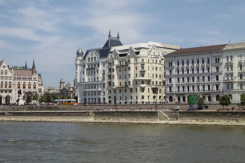 http://www.peterenemmy.nl/Hongarije/P1060653